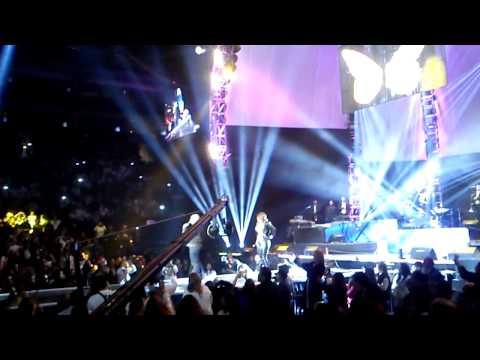 Diana Reyes Mirame y Llegada De Lupillo Rivera Homenaje Jenni Vive 2013 Arena Monterrey