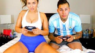 OMG STRIP FIFA 16 WITH MY GIRLFRIEND CHALLENGE!!