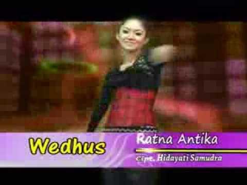 ▶ Wedhus  Ratna Antika   goyang hot remix
