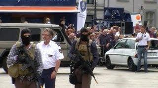 Prio 1: Brigade Speciale Beveiliging (demonstratie met meerdere voertuigen)