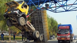 CRAZY Truck Crashes, Truck Accidents compilation 2015 - Part5