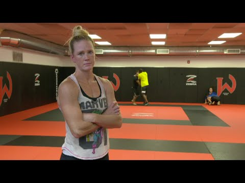 Holly Holm Ronda Rousey IS Beatable