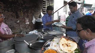 Roti (Bread) and Vegetables Only 20 Rs | Kolkata Street Food Loves You | Street Food India