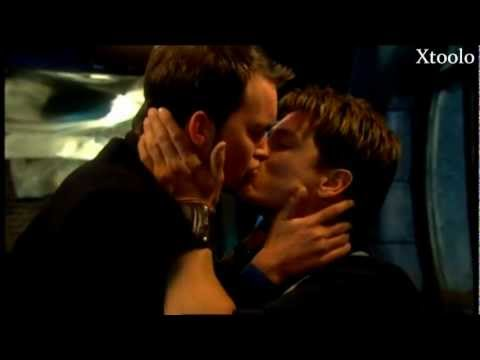 I hold you above everyone || Jack & Ianto (spoilers)
