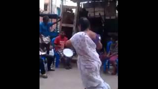 Bangladesh hindu woman dance