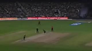 Mustafizur Rahman Bowling Shakib Al Hasan - Eden Gardens Kolkata - KKR vs SRH IPL T20 2016