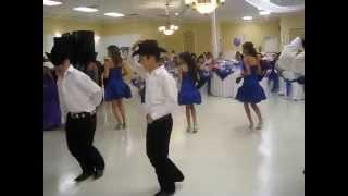 el tao tao surprise dance