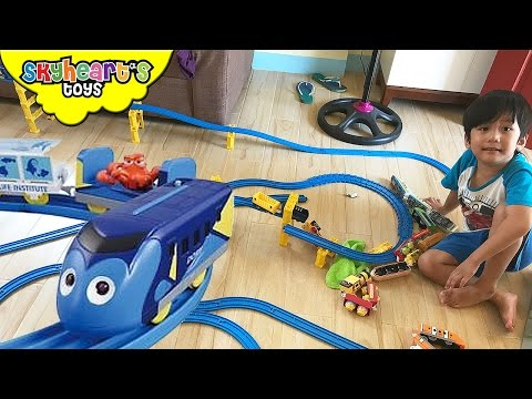 A huge DISNEY TRAIN set for toddlers Takara Tomy Toy Trains Kids with Finding Dory Plarail