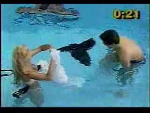 Gostosa na piscina Programa do GUGU