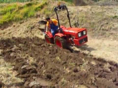 Tractor valpadana em mais um fim de semana atarefado