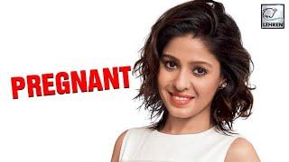 Singer Sunidhi Chauhan Is Five Months Pregnant | LehrenTV