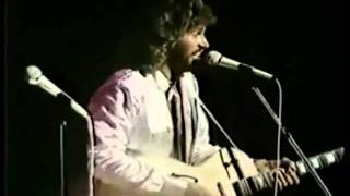 Bee Gees - Wind Of Change - Spirits Tour (good audio)