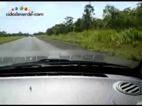 FLAGRA Caminhoneiro dorme ao volante e se acidenta Perseguição BR316 Policia Rodoviaria