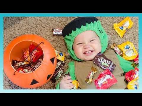 TRICK OR TREAT! | Look Who's Vlogging: Daily Bumps
