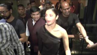 Alia Bhatt Hot Thighs In Short Dress At Filmfare Glamour And Style Awards 2016 Launch