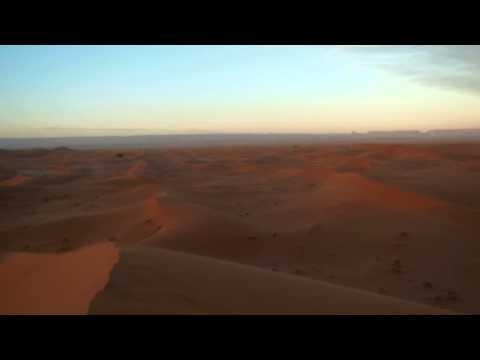 Vue à 360° coucher de soleil sur erg Chegaga - Désert Mhamid - Maroc