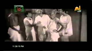 Bangla old movie song. Movie Name (TAKA ANA PAYI)