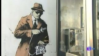 Desaparece un Graffiti de BANKSY : The Spy Booth