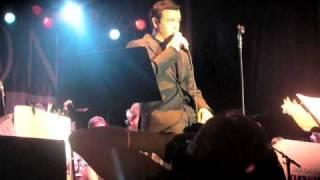 "Seth MacFarlane sings ""Under My Skin"" - SLC Jazz Festival"
