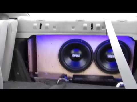 2 Sundown Audio E-12D2 Subwoofers in Honda Civic