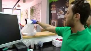 """""""دكتور كبدة"""" مطعم مصري يديره أطباء شباب"""