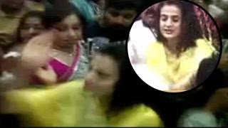 Ameesha Patel GROPED in public, SLAPS MOLESTER