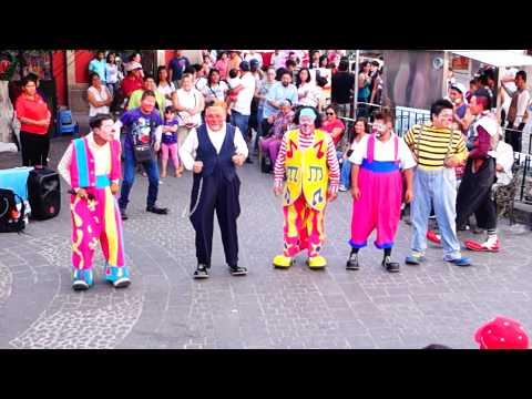 Payasos Chikitines El baile del Pollito y el Perro llegoooo!!!