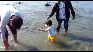 ekdin chuti hobe  | baby play in water