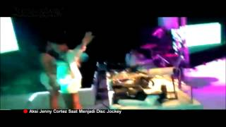 Foto dan Video Jenny Cortez Nge-DJ Pakai Bikini