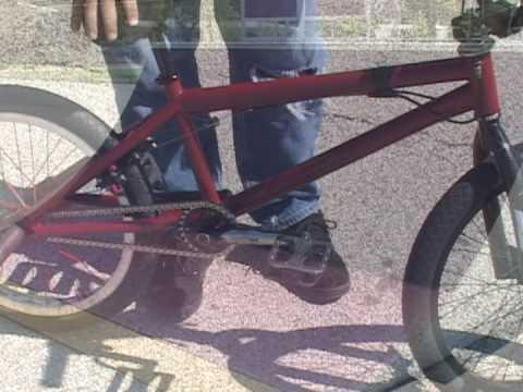 Trucos y saltos en bicicleta BMX Tallar en una Bici BMX Trucos en Bicicleta