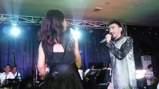 Reza feat Ika DA2 - Bunga dan Kumbang Mini Konser Reza Zakarya
