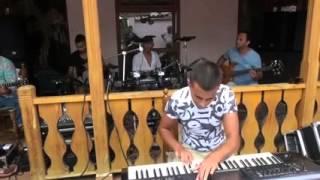 موسيقى تركية و لا أروع يا سلاااااااااام من أداء فرقة موسيقية محترفة