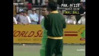 Asif Mujtaba last ball 6 vs Australia Benson & Hedges World Series 1992-93 Match 4