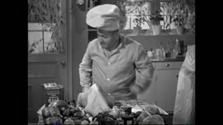 The Three Stooges - An Ache in Every Stake - Curly Stuffs The Turkey