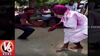 Old Man Perform Dance For V6 Bathukamma Song | Durga Mata Nimajjanam | V6 News