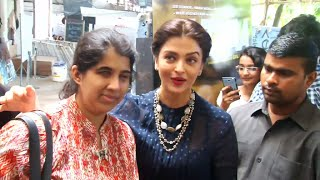 Aishwarya Rai interacting with her BLIND FAN and making her wish come true.