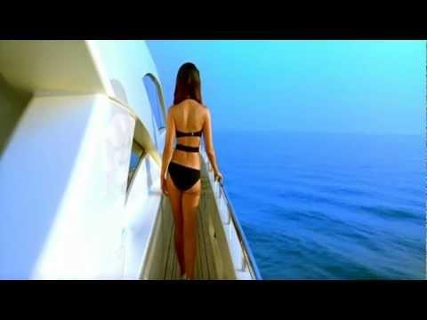 kareena kapoor in swimsuit [720p-HD]- kambakkht ishq