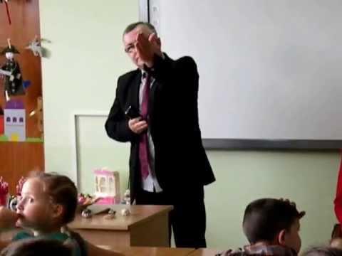 Czytanie dzieciom w sali J. Korczaka - WSHE Włocławek  05.06.13.