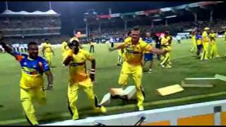 IPL Finals 2011[Bollinger and Bravo Kuthu Dance.3gp]