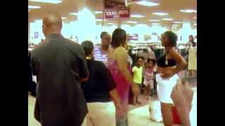 Ghetto women fight at the mall