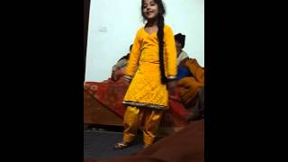 Cute girl dance punjabi song