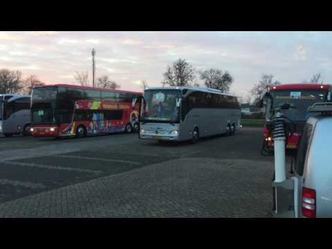Supporters ASHW onderweg naar Alkmaar voor bekerwedstrijd
