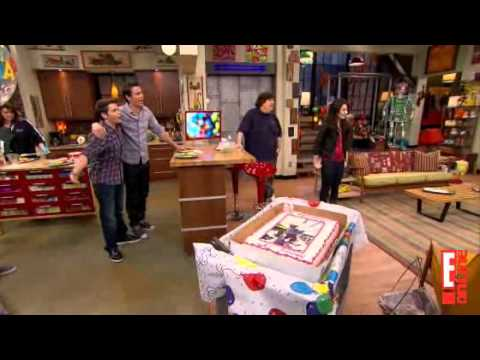 Miranda Cosgrove Celebrates her 18th Birthday on the iCarly set