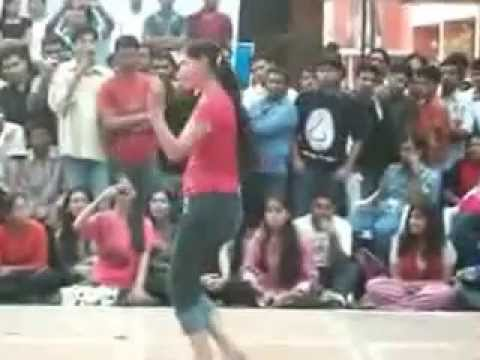 Xxx Mp4 Indian College Girls Dancing In Tight Jeans Pant 3gp Sex