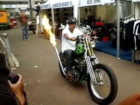 HEBOH video knalpot motor terbakar