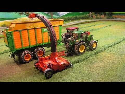 RC TRACTORS at grass silge harvest farm toy action