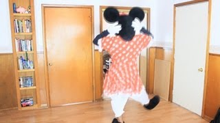 Minnie Mouse TWERKS! (@TheKingOfWeird)