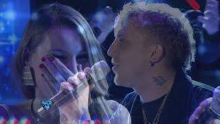 El Polaco le escribió una tema a Pampita y se lo cantó en vivo en Showmatch