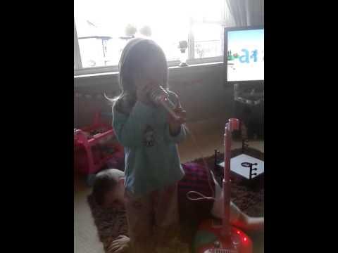 Xxx Mp4 Sienna Singing Twinkle Twinkle Little Star Xxx 3gp Sex