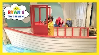 CHILDREN'S MUSEUM Family Fun Trip to Kids Indoor Play Area with Children Activities and Kids Toys
